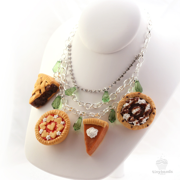 pie-necklace