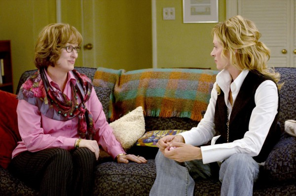 "Film Still from ""Prime"" Meryl Streep, Uma Thurman © 2005 Universal, Image: 94858555, License: Rights-managed, Restrictions: For Editorial Use - Credit Studio Only, Model Release: no, Credit line: Profimedia, Hollywood Archive"