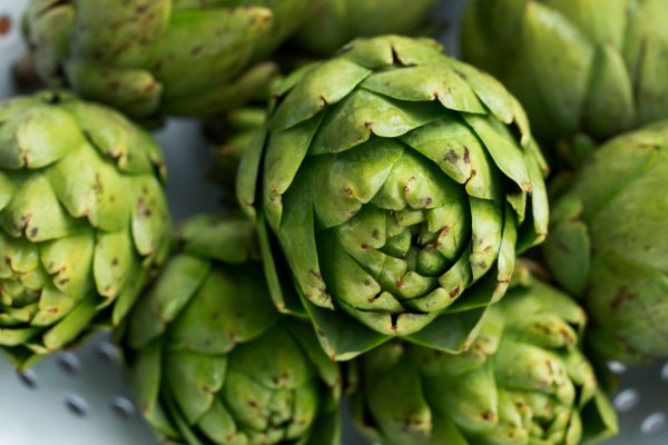 How-to-Cook-Artichokes-and-How-to-Eat-Them